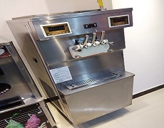 什么品牌的冰淇淋机性价比高?怎么选择价格合适的冰激凌机?