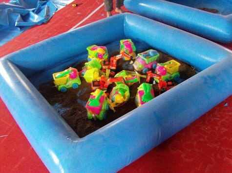 儿童充气沙池带沙滩玩具