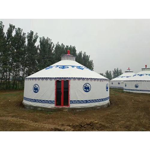 白色农家乐蒙古包