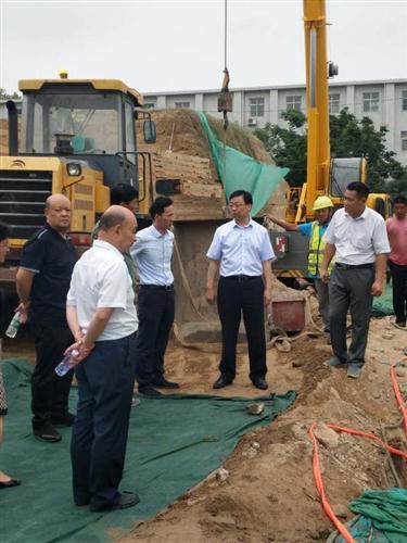 郑州市吴副市长及文物局领导视察我公司商城遗址项目