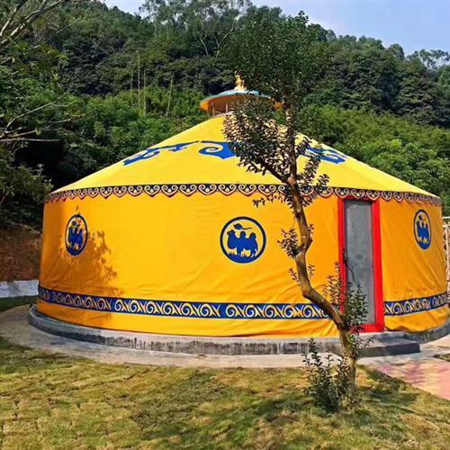 黄色旅游景区蒙古包