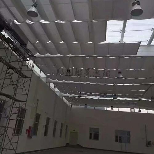 折叠式电动天棚帘