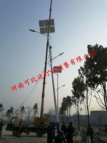 汝州12米太阳能路灯按装工程现场