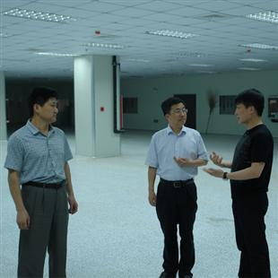 河南省工信厅副厅长孟西林视察园区