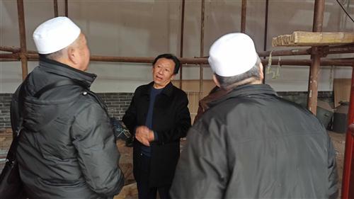 我公司刘总与河南省文物局马培良处长及郑州市北大清真寺胡主任等人到开封市祥符区范村乡张田村清真寺进行观