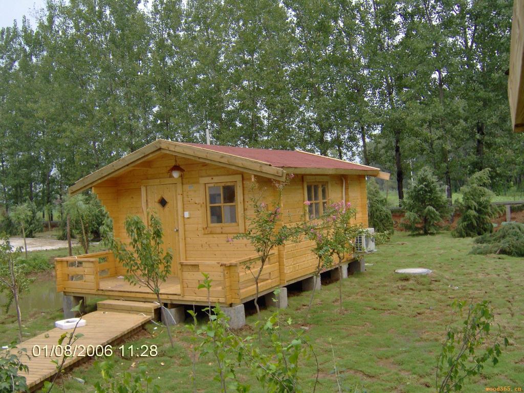 雨中小木屋图片
