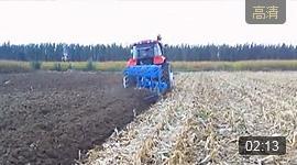 郑州龙丰B450栅条犁新疆伊犁配套180马力玉米茬地耕作视频